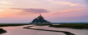 Mont Saint-Michel on sunset by AlexGutkin