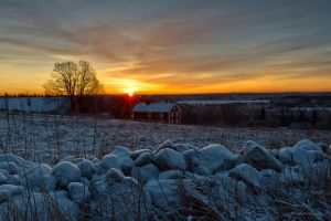 The suns first beams is spreading over the wintry by roisabborrar
