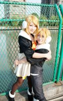 Rin and Len in SH by bai917