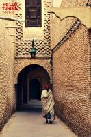 Old man from Tozeur by HelloTUNISIA