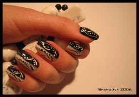 blackANDwhite love-6 -nail-art by Shangova