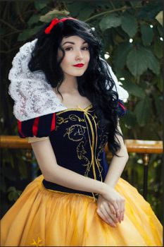 Snow White by KikoLondon