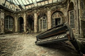 Broken Keys by szydlak