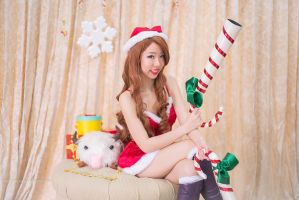 Candy Cane Miss Fortune by mikuen-drops