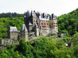 Burg Eltz by JanuaryGuest