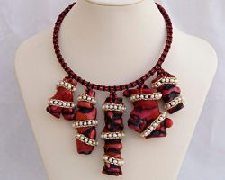 Coral and pearl necklace N1347 by Fleur-de-Irk