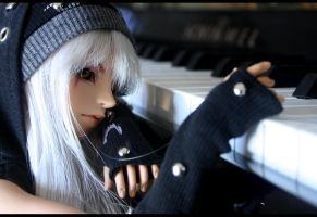 play the piano by Kaalii