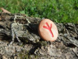 Algiz Rune Necklace by Euphyley