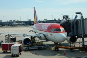 Preparing Avianca N647AV at Washington Dulles by rlkitterman