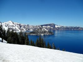 crater lake by ringmale