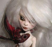 Sneak peak of Danys and her red dragon baby! by midnightstrinkets