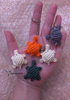 macrame turtles by Damned-at-birtH