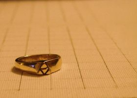 Triforce Ring by bornahorse