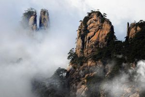Huang Shan Mountain-10 by SAMLIM