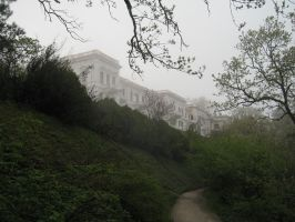 Livadia Palace in mist by sharktooth