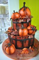 halloween cake by CarolineEwok