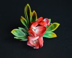 Holly cluster. hand dyed kanzashi by hanatsukuri