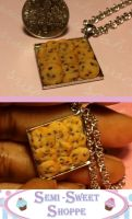 Chocolate Chip Cookie Necklace by ninja2of8