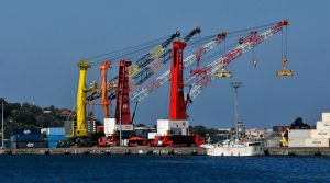Cranes 1 - Papeete harbour by wildplaces