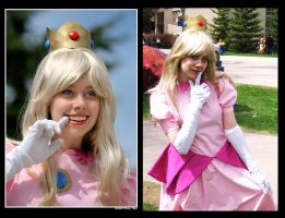 Princess Peach Cosplay by Pompay