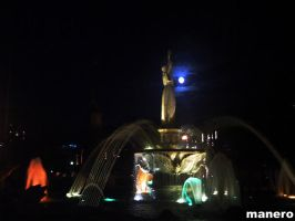 Fountain and Moon by graybox
