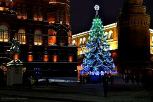 Christmas tree in historical center of Moscow by Lyutik966