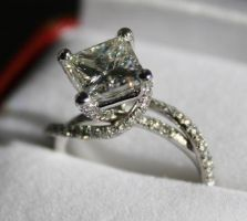 Princess diamond ring by Jewelerina