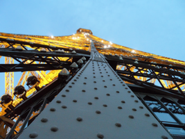Eiffel Tower by WiRE4k