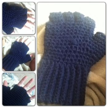 Hobo fingerless gloves by Clix69