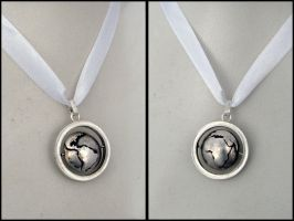 Around the World - pendant by Seatear