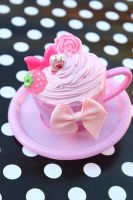 Pinkie POP Tea Cup Clip by KittywoodDesigns