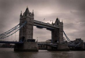 London Bridge by DSPHolthaus