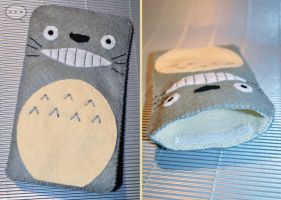 Totoro phone cover by cihutka123