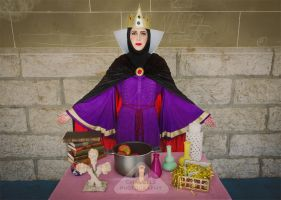 Evil Queen from Snow White cosplay by chamellephoto