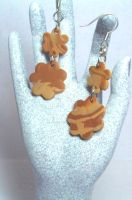 Cookie Earrings by lenneheartly