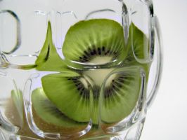 Kiwi Refraction. by KimberleePhotography