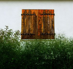 Juliet closed the window by dimajaber