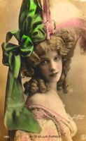 Green Bow by cAnDiEsFoReVeRyOnE