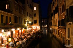 Venezia at night by LunaFeles