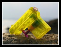 Washed up water pistol by moonstomp