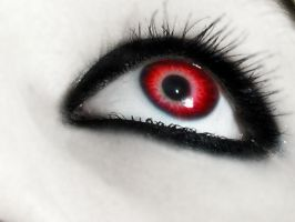vampire eyes by moonywerecat