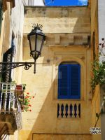 Finestra a Lecce by ChemaIllustration