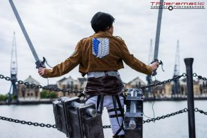 Attack on Titan - 3DMG by TPJerematic
