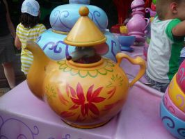 Disneyland Paris - Alice in Wonderland -6- by Maliciarosnoir-stock