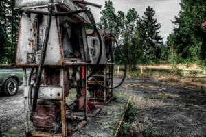HDR Gas station by jverm