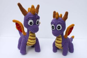 Spyro and Baby Spyro by MilesofCrochet