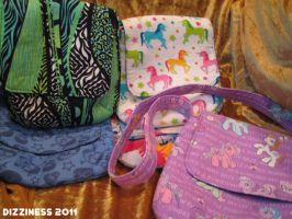 Fiber Arts: messenger bags by dizziness