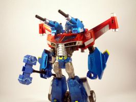 Animated wingblade otpimus (Bot mode) by scoobsterinc