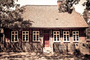 Beekeepers House by stromstoerung