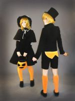 trick and treat - kagamine by YukiWonka